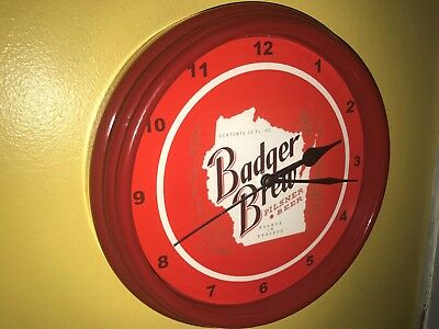 Badger Brew Wisconsin Beer Bar Advertising Man Cave Red Wall Clock Sign