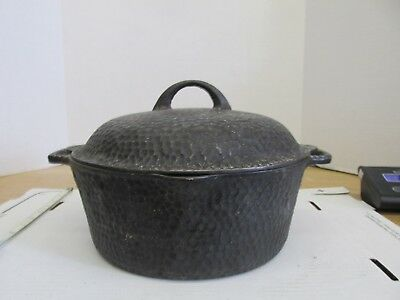 """Vintage Unmarked Hammered Finished 10"""" x 4"""" Cast Iron Dutch Oven w/lid"""