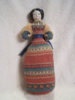 AMERICAN HEIRLOOM DOLL  Sachet Porcelain Head cloth body AVON  11 Inches