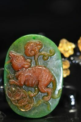 Unique Chinese jade hand-made carving mouse lucky Pendant / statue   a08