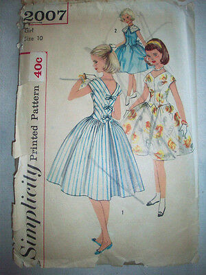 1950's Girl's Party dress bows down back pattern 2007 size 10
