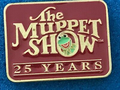 """""""THE MUPPET SHOW: 25 YEARS"""" • LAPEL PIN • 1 3/8"""" x 1"""" • RETIRED • MAY BE UNWORN!"""