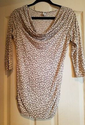 old navy maternity shirt top M gray & white 3/4 sleeve