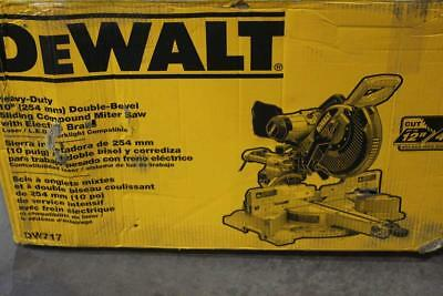 Dewalt Heavy Duty Double Bevel Sliding Compound Miter Saw DW717