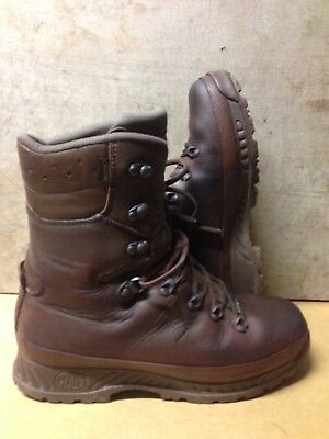 Size 9 Wide brown cold wet weather haix boots! V/G condition & loads Of Tread!