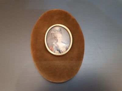 Oval  Miniature  Of  Queen   Marie  Antoinette  Portrait  Set  In  Velvet