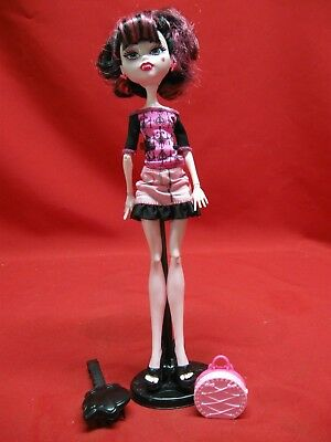 Monster High Draculaura Doll With Accessories