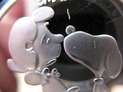 1-Oz.999 Silver Peanuts Gang Charlie Brown Lucy And Snoopy Kiss Smack Coin +Gold
