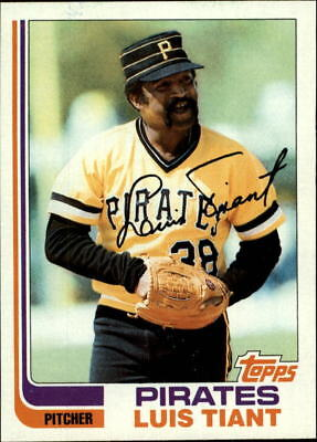 1982 Topps Pittsburgh Pirates Baseball Card #160 Luis Tiant