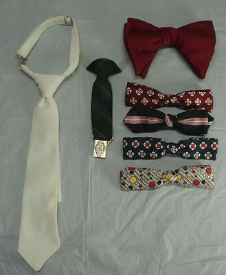 Lot Of 5 Vintage Bow Ties And Two Others