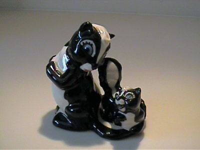 Vintage 1950's Miniature Ceramic Art Studio Mama Skunk With Baby On Tail