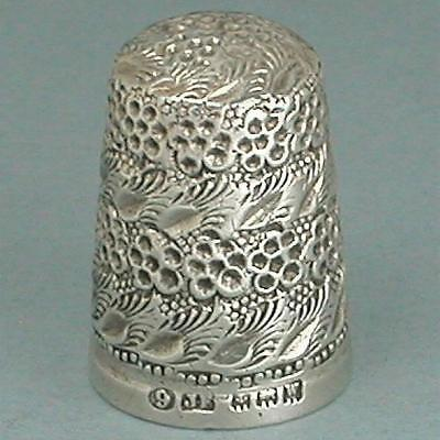 Vintage Blackberry Sterling Silver Thimble * English * Hallmarked 1921