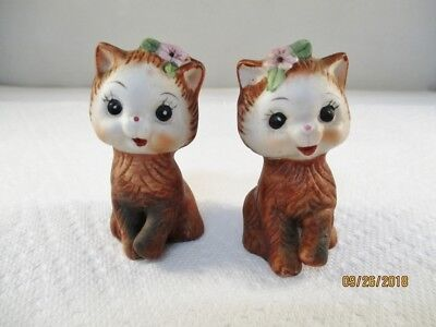 Vintage Salt and Pepper Shakers Cat cats Kittens w/ Flower Brown Made in Korea