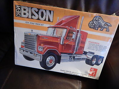 New & Sealed AMT ERTL Truck Model 6641 Chevy BISON: 1/25 Scale