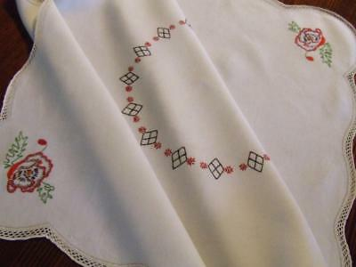 Hand Embroidered Vintage Linen Tablecloth - Red Poppy Pattern - Crocheted Edge