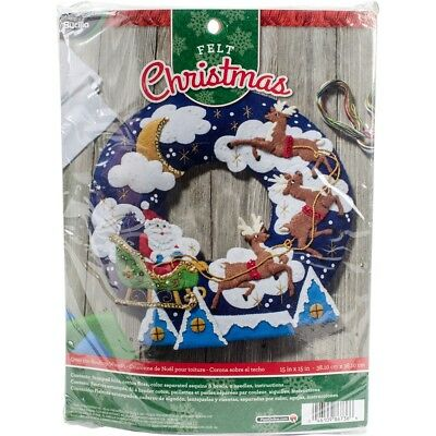 "Bucilla Felt Wreath Applique Kit 15"" Round-over The Rooftop"