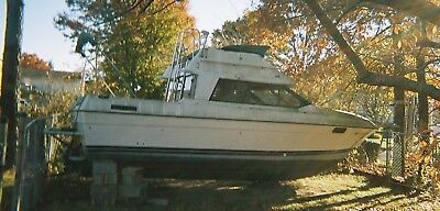 LF - 1990 Bayliner Command Bridge 25' Cabin Cruiser - New York