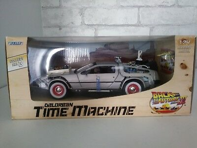 "Delorean Time Machine Set ""back To The Future 3 ""  1/24"