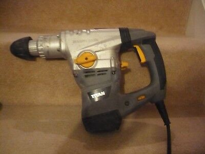 A Titan Magnesium Drill 1500 W Sds Plus Rotary Hammer With Bits And Case