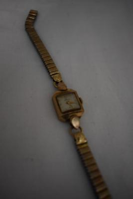 Vintage Elco Swiss Made Square Faced Wristwatch w Fixoflex Bracelet Pat 826983