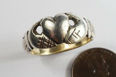 EARLY ANTIQUE 18th CENTURY SILVER IRISH TYPE CLADDAGH RING NO RESERVE