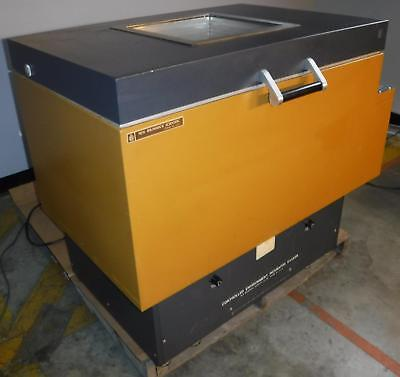 New Brunswick G-25 Controlled Environment Incubator Shaker TESTED