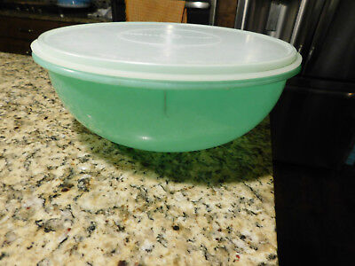 Vintage Tupperware #274 Large 26 Cup Fix n Mix Bowl Jade Green with Seal Lid