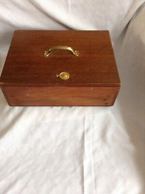 A Superb Vintage Wooden Tea Chest In Good Condition Has 3 Mixing Dishes Reduced