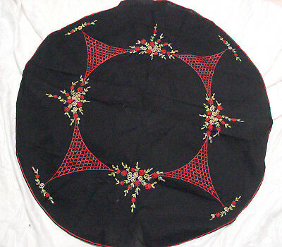 """Vintage 20s Round Tablecloth Black Embroidered VGC 31"""" Table Topper"""