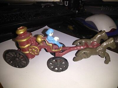 VINTAGE FIREMAN CAST IRON TOY HORSE DRAWN FIRE ENGINE TRUCK CARRIAGE WAGON 1911s