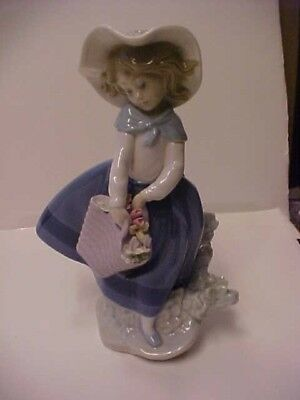 Lladro Pretty Pickings #5222 Girl with Basket of Flowers and Hat Figurine