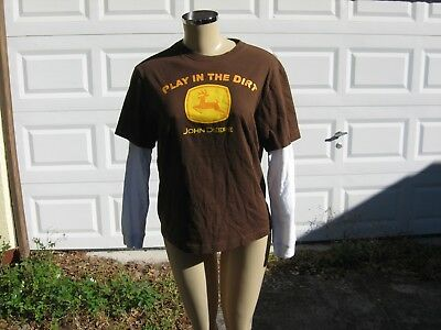 used t-shirt john deere play in the dirt x-large (18) 1oo% cotton