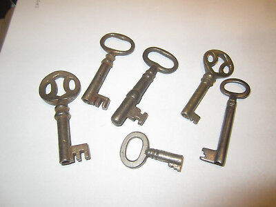 Antique Lot Of 6 Skeleton Keys & Barrel Keys Padlocks Doors Good Condition