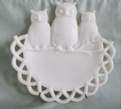Antique Milk Glass Plate with 3 Owls and Openwork Basketweave Border 7 1/2""