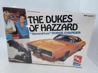 THE DUKES OF HAZZARD Ertl AMT 1997 General Lee Dodge Charger 1:25 Model Kit NEW