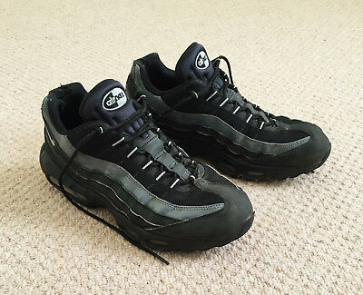 A Pair Of Mens Uk Size 10 / Eu 45 Nike Air Max, Black / Grey Lace Up Trainers