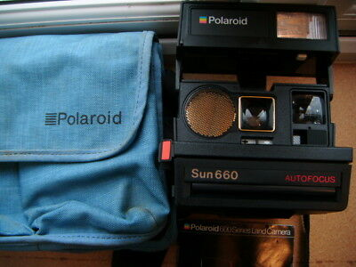 Polaroid Sun 660 fully working great camera - film tested in bag with instrucs