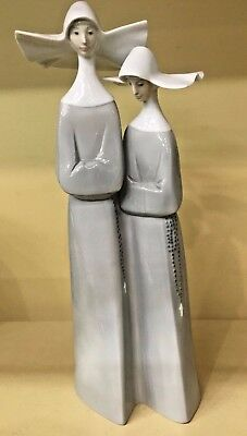 """LLADRO 2 NUNS Figurine # 4611  RETIRED 13 1/2"""" Tall Excellent Condition"""