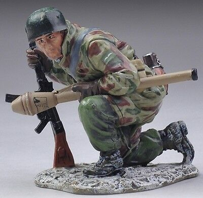 Thomas Gunn Ww2 German Fallschirmjager Fj023B Kneeling Tank Hunter Winter Mib
