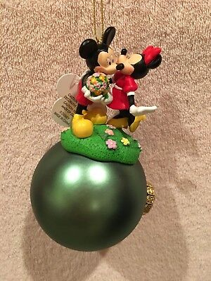 NWTS Disney Minnie Mickey Mouse Kissing Christmas Holiday Ornament ~ So Cute NEW