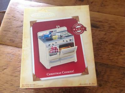Hallmark Keepsake Ornament 2004 Christmas Cookies Magic Stove Oven Fragrance NIB