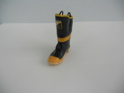 """Just the Right Shoe, Raine, """"Firefighter"""" mixed media, 25312 New No Box 4"""" Tall"""