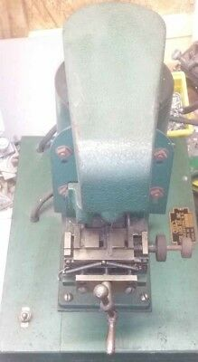 Keil 7 1/2 Key Cutting Machine For Cutting Bell Style Keys With Grooves