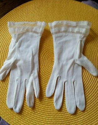 VTG Ladies  Gloves 1950's  size 6.5 Women's Accessory white with trim