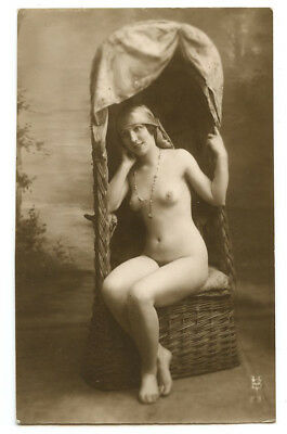 1910s French Nude SLIM LADY w/ Nice Figure Built Beauty photo postcard