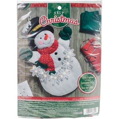 "Bucilla Felt Wall Hanging Applique Kit 16.5""x23"" -snowflake Snowman W/string"