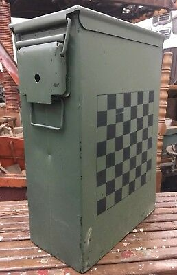 VINTAGE COLLECTIBLE OLIVE GREEN INDUSTRIAL AMMO BOX w/UNIQUE CHECKERBOARD SIDE
