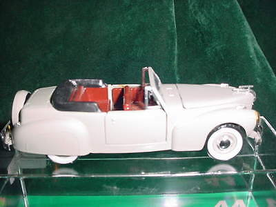 Christmas Day  Gift Rio 1941 Lincoln Continental 1:43 Scale Collectible Toy Cars