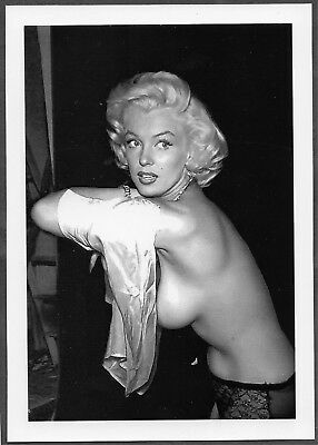 Marilyn Monroe Very Busty Bosomy Sideview Pose 5X7 Reprint  Mm-92