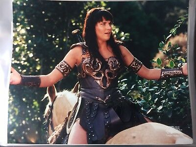 8x10 Photo from Xena the Warrior Princess Lucy Lawless D75